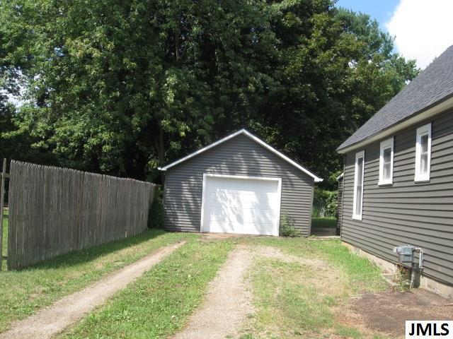 928 Wayne St, Jackson, MI - USA (photo 2)