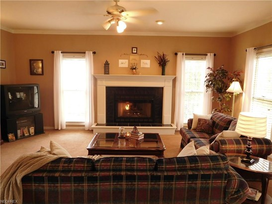 3456 Falcon Chase Nw St, Uniontown, OH - USA (photo 5)