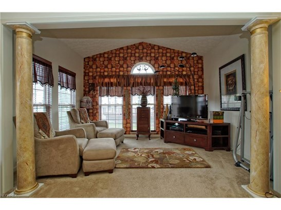 540 Shallow Creek Cir, Northfield Center, OH - USA (photo 4)