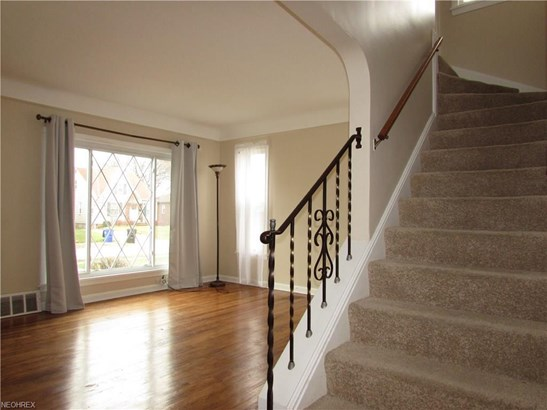 14029 Clairview, Cleveland, OH - USA (photo 4)