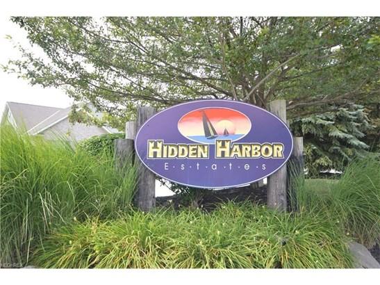 608 Hidden Harbor Dr, Fairport Harbor, OH - USA (photo 2)