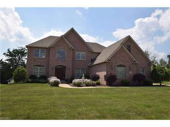 17480 Sawgrass Cir, North Royalton, OH - USA (photo 1)