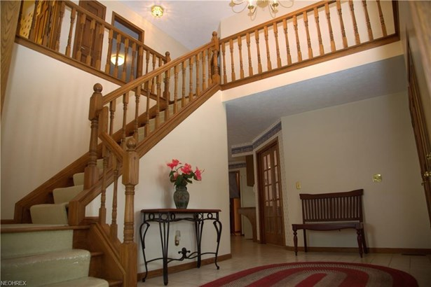 8593 Sunview Dr, Broadview Heights, OH - USA (photo 2)