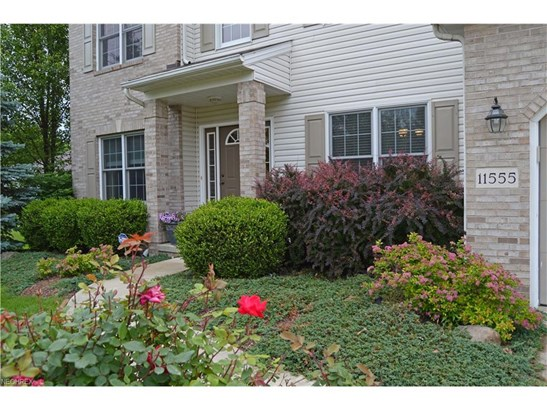 11555 Craig Dr, Strongsville, OH - USA (photo 2)