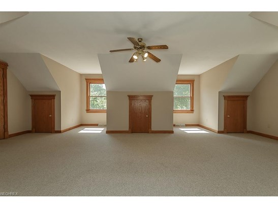 9415 Hoose Rd, Mentor, OH - USA (photo 4)