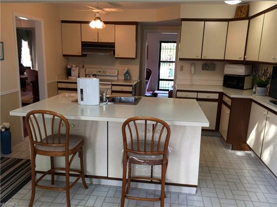 3971 Wooster Rd, Fairview Park, OH - USA (photo 4)