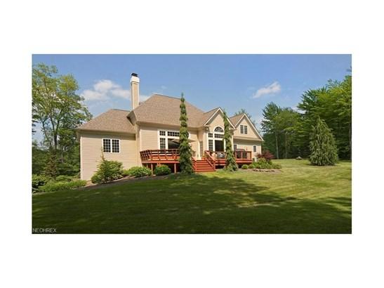10710 Cottage Hill Lane, Chardon, OH - USA (photo 2)