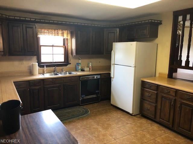 10406 Cedar Rd, Chesterland, OH - USA (photo 3)
