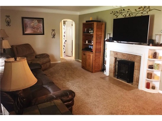 7006 Beresford Ave, Parma Heights, OH - USA (photo 3)