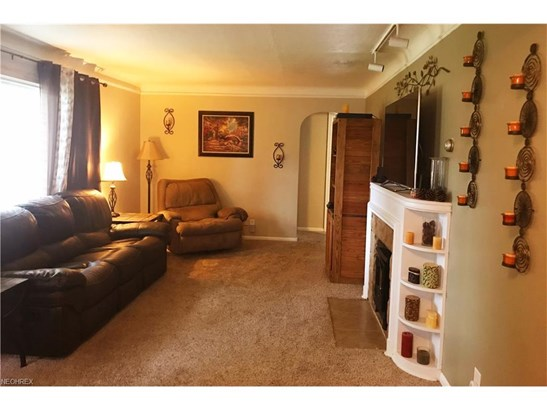 7006 Beresford Ave, Parma Heights, OH - USA (photo 4)