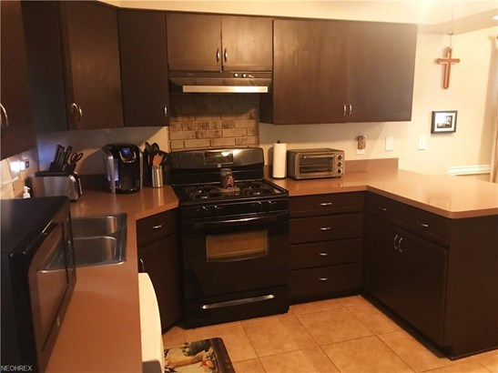 7006 Beresford Ave, Parma Heights, OH - USA (photo 5)