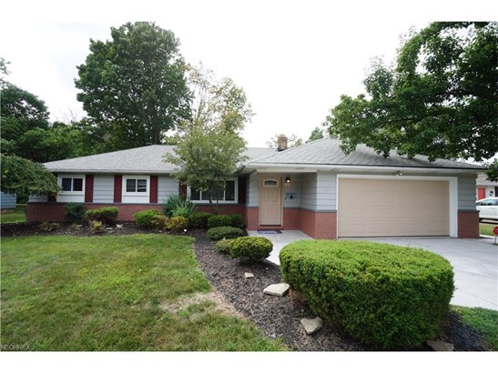 840 Belwood Dr, Highland Heights, OH - USA (photo 1)