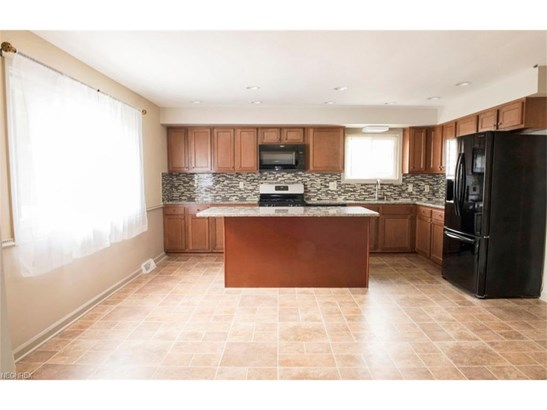 840 Belwood Dr, Highland Heights, OH - USA (photo 5)