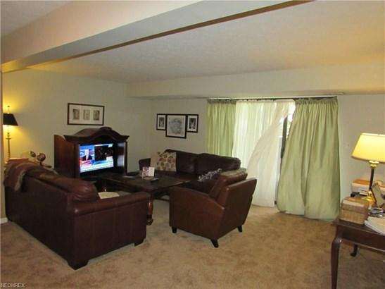 7408 Pinehurst B12, Middleburg Heights, OH - USA (photo 3)