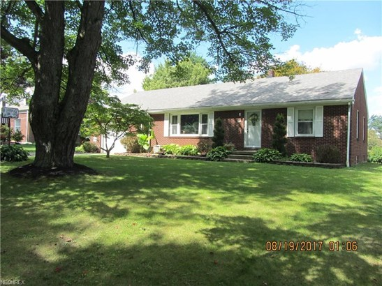144 Parkview Dr, Hubbard, OH - USA (photo 1)