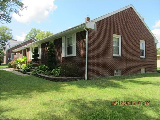 144 Parkview Dr, Hubbard, OH - USA (photo 2)