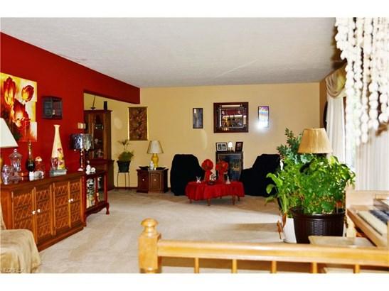 8165 Monterey Dr, Kirtland, OH - USA (photo 2)