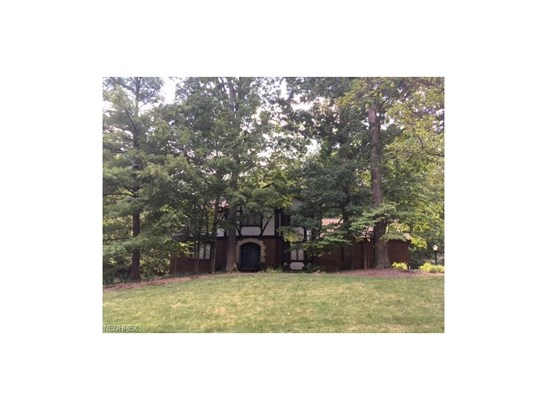 10027 Hunting Dr, Brecksville, OH - USA (photo 1)