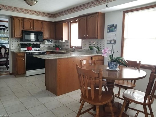 17146 Greenwood Dr, Strongsville, OH - USA (photo 3)