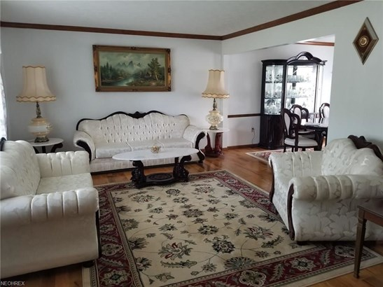17146 Greenwood Dr, Strongsville, OH - USA (photo 5)