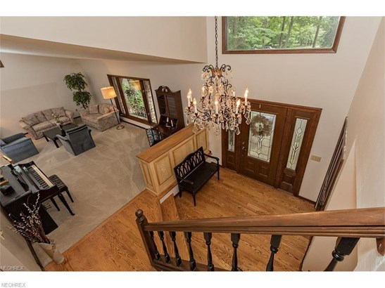 8654 Camelot Dr, Chesterland, OH - USA (photo 5)