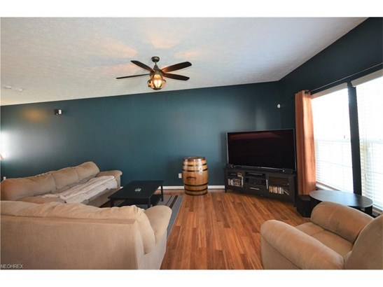 4526 Vineyard Dr, Lorain, OH - USA (photo 4)