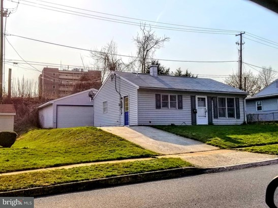 1049 N Pine St, Middletown, PA - USA (photo 1)