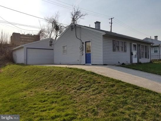 1049 N Pine St, Middletown, PA - USA (photo 2)