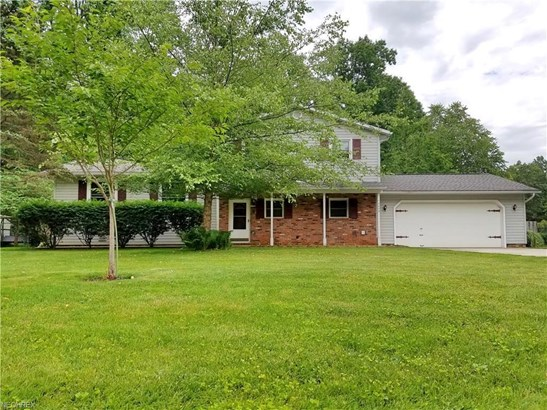 2455 Glengate Rd, Willoughby Hills, OH - USA (photo 1)