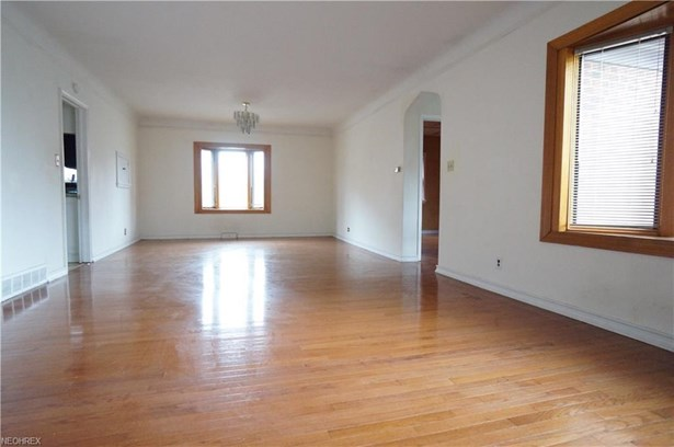 3703 Meadowbrook Blvd, University Heights, OH - USA (photo 3)