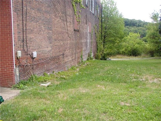 102 Bessemer, Lyndora, PA - USA (photo 3)