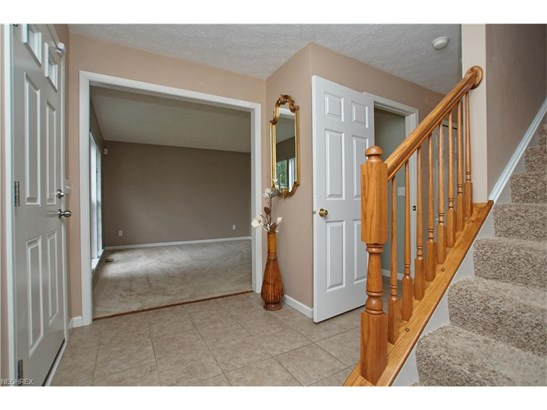 651 Brookledge Ct, Northfield Center, OH - USA (photo 3)