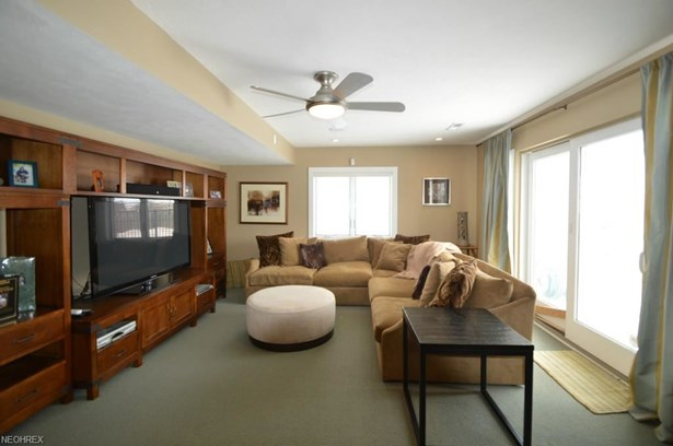 2251 City View Dr, Cleveland, OH - USA (photo 3)