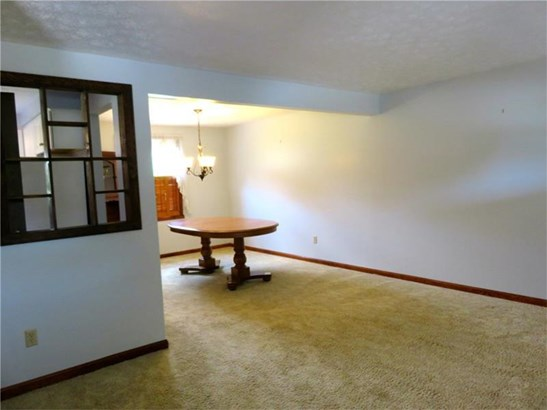 236 Farmbrook, Hempfield, PA - USA (photo 2)