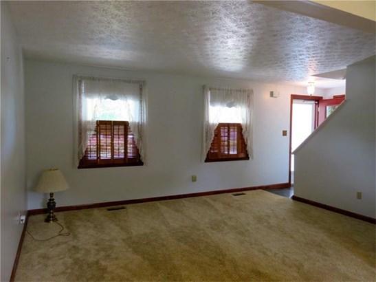 236 Farmbrook, Hempfield, PA - USA (photo 4)