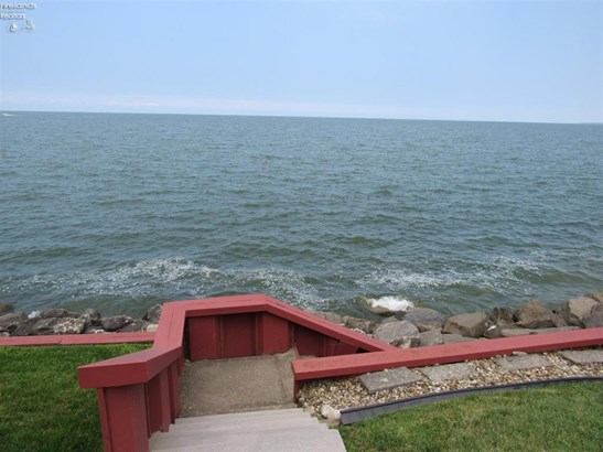 1100 By The Shores Drive 1, Huron, OH - USA (photo 4)
