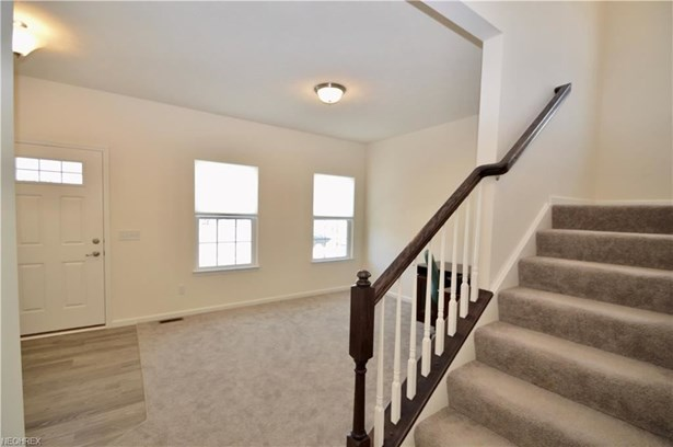 6998 Stag Horn Ln, Lorain, OH - USA (photo 4)