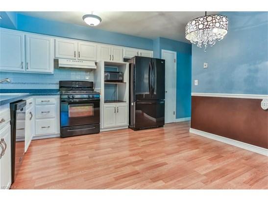 6533 Longridge Rd, Mayfield Heights, OH - USA (photo 4)