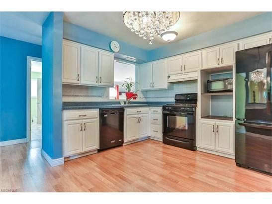 6533 Longridge Rd, Mayfield Heights, OH - USA (photo 5)