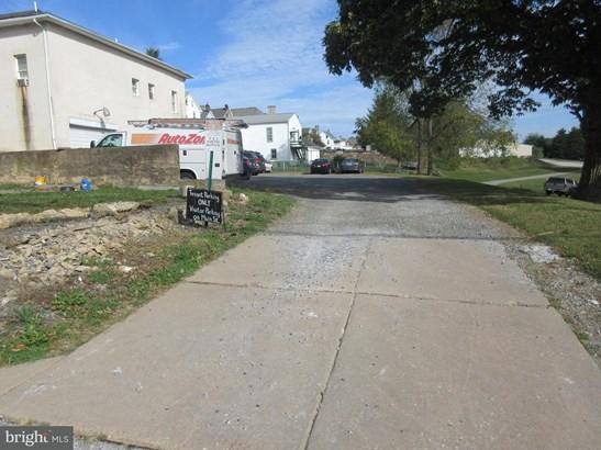 3 N Main St, Stewartstown, PA - USA (photo 3)