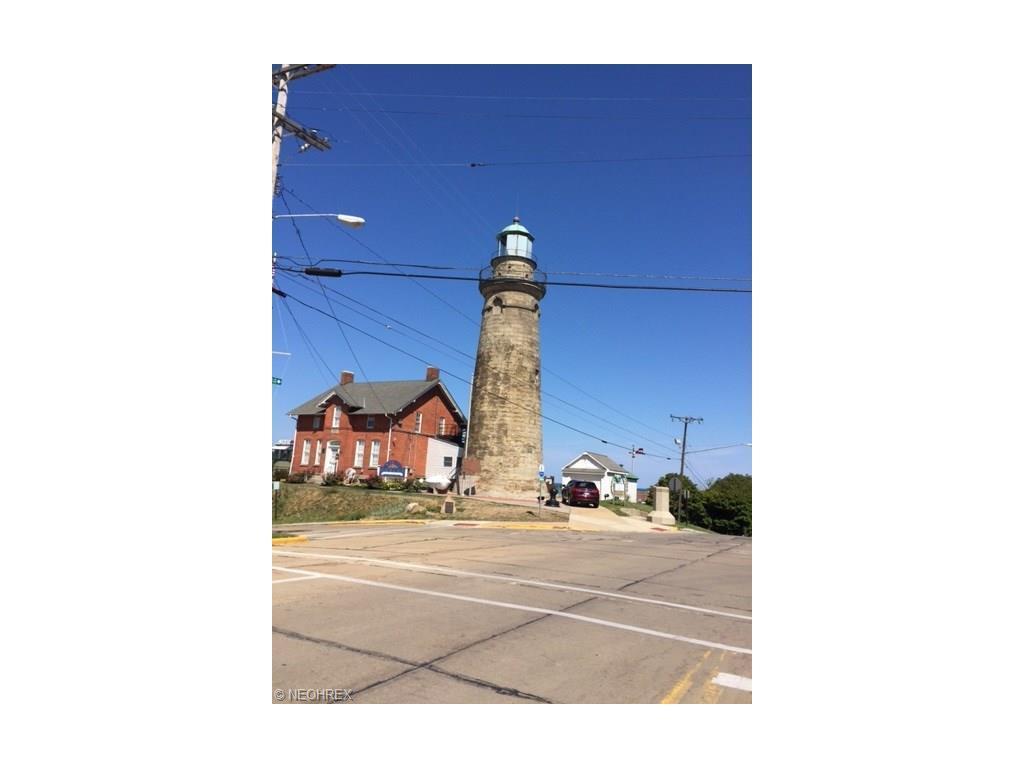 Burton St, Fairport Harbor, OH - USA (photo 3)