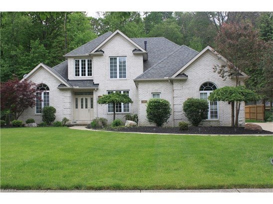 5491 Jacqueline Ln, North Olmsted, OH - USA (photo 1)