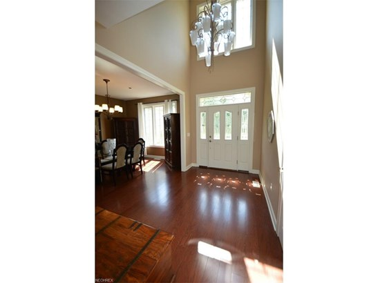 5491 Jacqueline Ln, North Olmsted, OH - USA (photo 3)