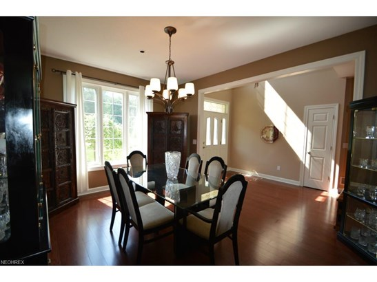 5491 Jacqueline Ln, North Olmsted, OH - USA (photo 5)