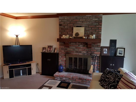 1760 Rolling Hills Dr A, Twinsburg, OH - USA (photo 5)