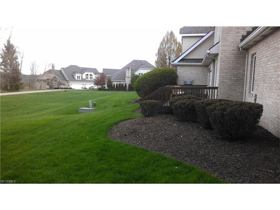 20001 Emerald View, Fairview Park, OH - USA (photo 3)