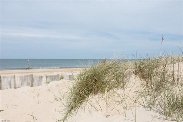 2080 Ocean View Ave E 7b, Norfolk, VA - USA (photo 1)
