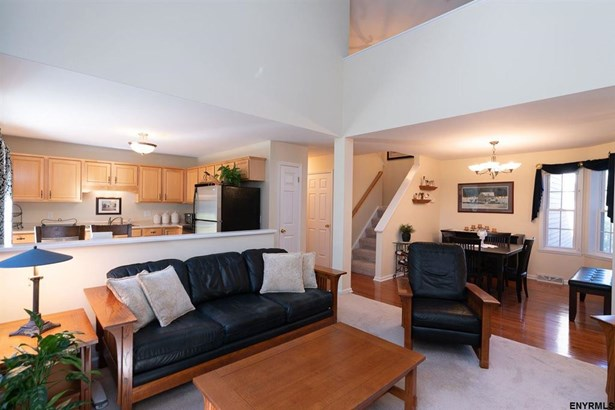 10 Wesley Pl, Voorheesville, NY - USA (photo 3)