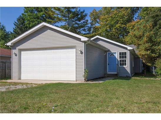 10060 Emerson Dr, Columbia Station, OH - USA (photo 1)