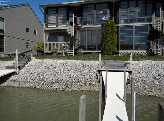 8834 West Canada Goose Court, Oak Harbor, OH - USA (photo 4)